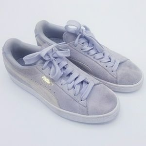 Puma size 7 baby blue suede sneakers